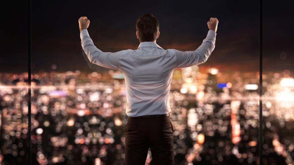 あなたがサラリーマンを辞め、ビジネスで月収50万円を安定的に稼ぎ続ける為に必要な絶対的な成功法則とは